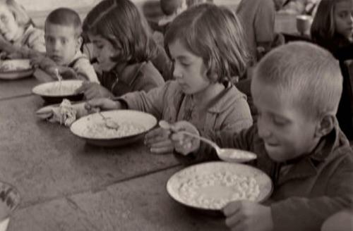 Σκηνή από το ντοκιμαντέρ Η Γενοκτονία της Μνήμης